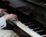 Opt for the best piano lessons in Sydney
